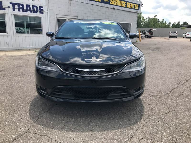2015 Chrysler 200  Miles 49211Color Black Stock 558F VIN 1C3CCCBB1FN511852