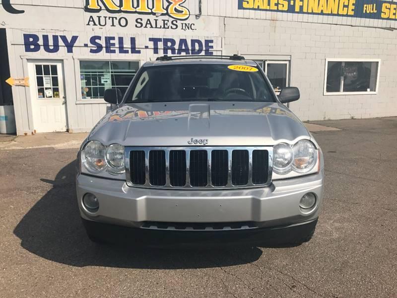 2007 Jeep Grand Cherokee  Miles 135904Color Silver Stock 572F VIN 1J8HR58287C521884