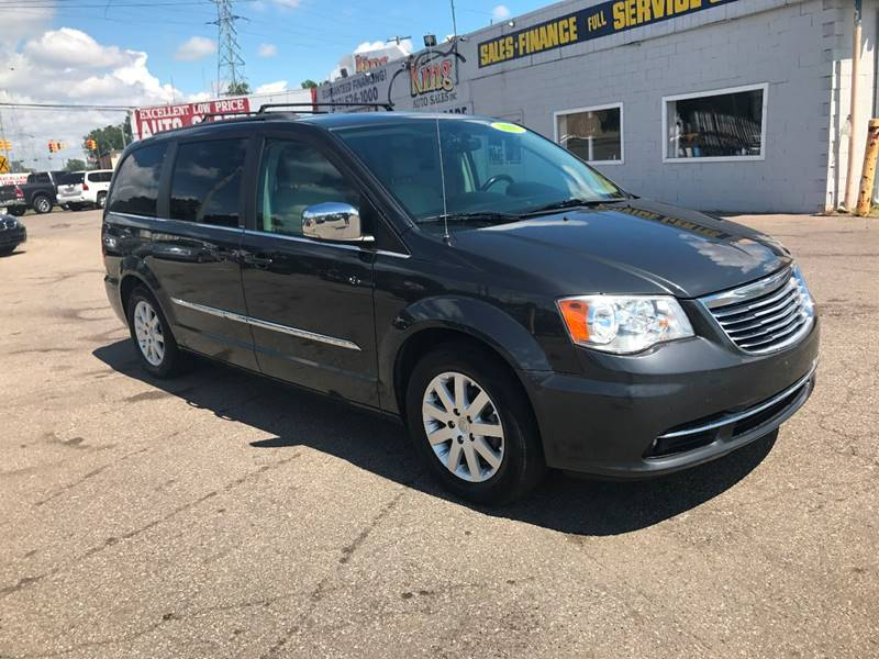2011 Chrysler Town and Country Touring-L 4dr Mini-Van - Detroit MI