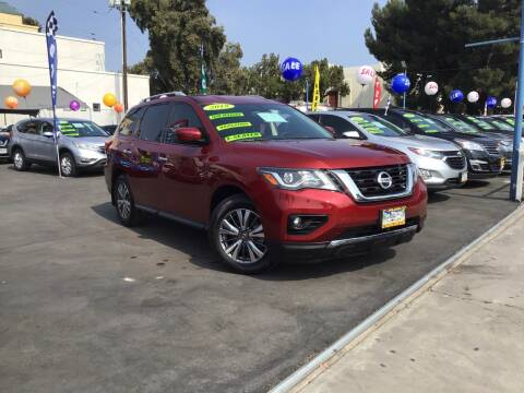 2018 Nissan Pathfinder for sale at LA PLAYITA AUTO SALES INC in South Gate CA