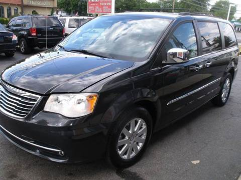 2011 Chrysler Town and Country for sale in Westbury NY