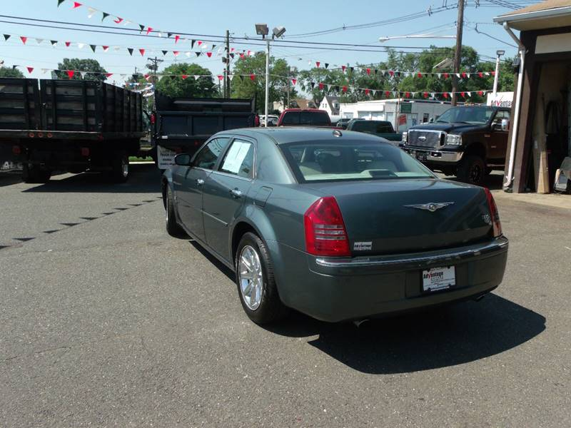 2005 Chrysler 300 C 4dr Sedan - Edison NJ