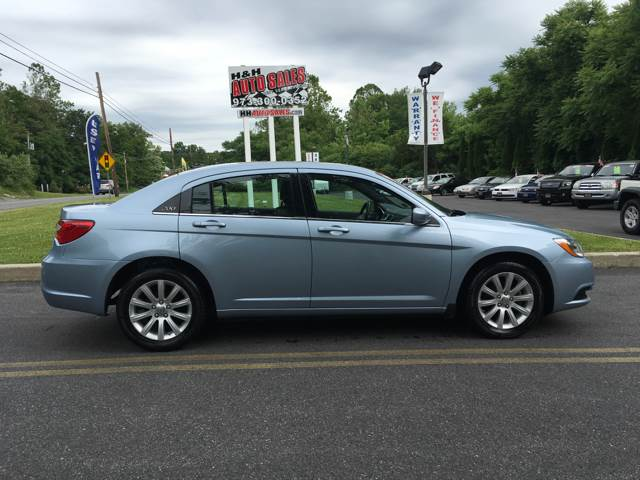 2013 Chrysler 200 Touring 4dr Sedan - Newton NJ