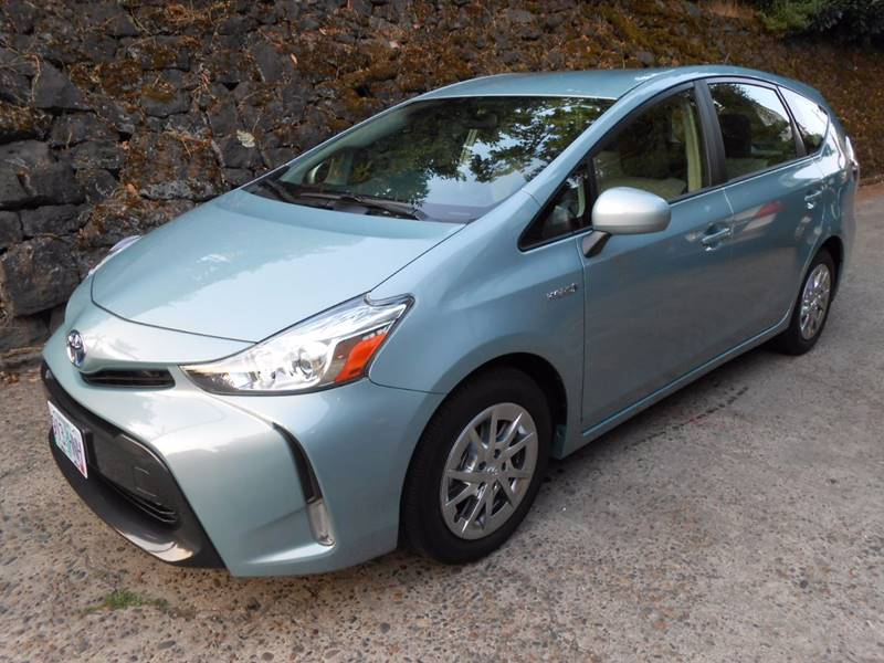 2015 Toyota Prius v Three 4dr Wagon - Portland OR