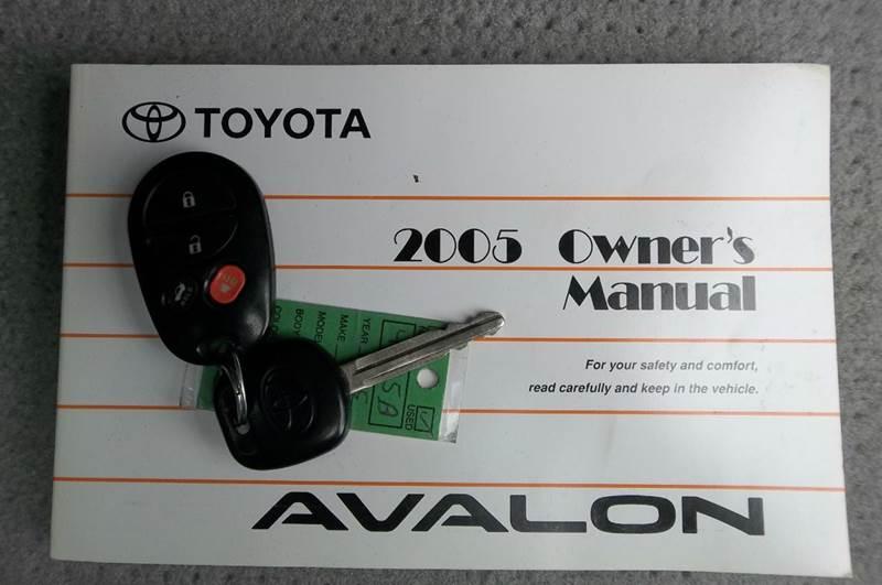 2005 Toyota Avalon XLS 4dr Sedan - Valdese NC