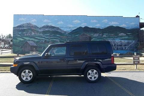 2006 Jeep Commander for sale at EAST VALDESE MOTORS in Valdese NC