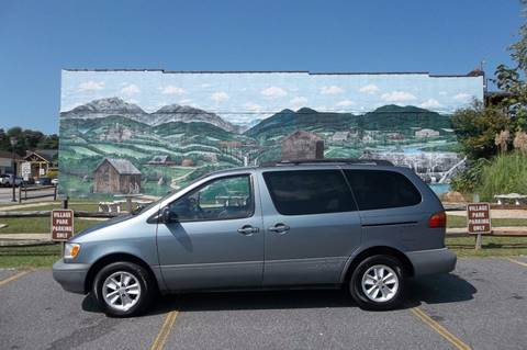 1999 Toyota Sienna for sale at EAST VALDESE MOTORS / VINSON AUTO GROUP in Valdese NC