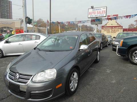 2007 Volkswagen Jetta for sale at Daniel Auto Sales in Yonkers NY