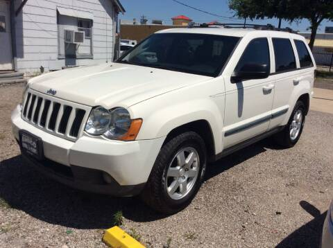 2008 Jeep Grand Cherokee for sale at AMIGO USED CARS in Houston TX