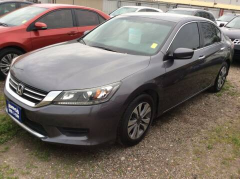 2015 Honda Accord for sale at AMIGO USED CARS in Houston TX