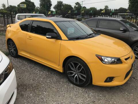 2012 Scion tC for sale at AMIGO USED CARS in Houston TX