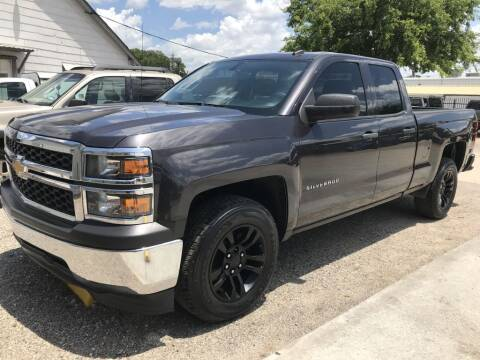 2014 Chevrolet Silverado 1500 for sale at AMIGO USED CARS in Houston TX