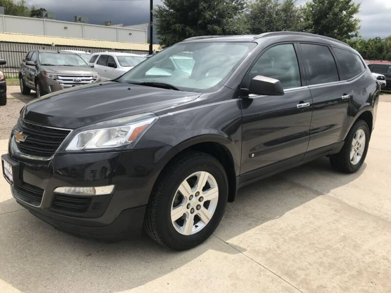 2014 Chevrolet Traverse for sale at AMIGO USED CARS in Houston TX