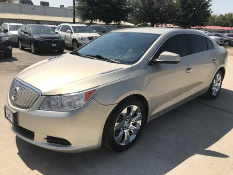 2010 Buick LaCrosse for sale at AMIGO USED CARS in Houston TX