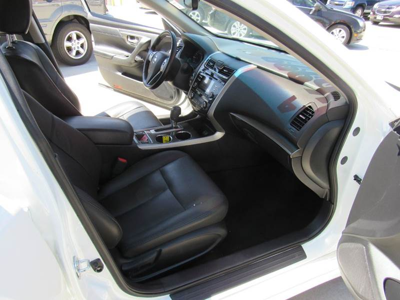 2014 Nissan Altima for sale at Los Compadres Auto Center in Bloomington CA