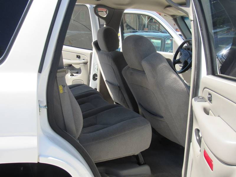 2005 Chevrolet Tahoe for sale at Los Compadres Auto Center in Bloomington CA
