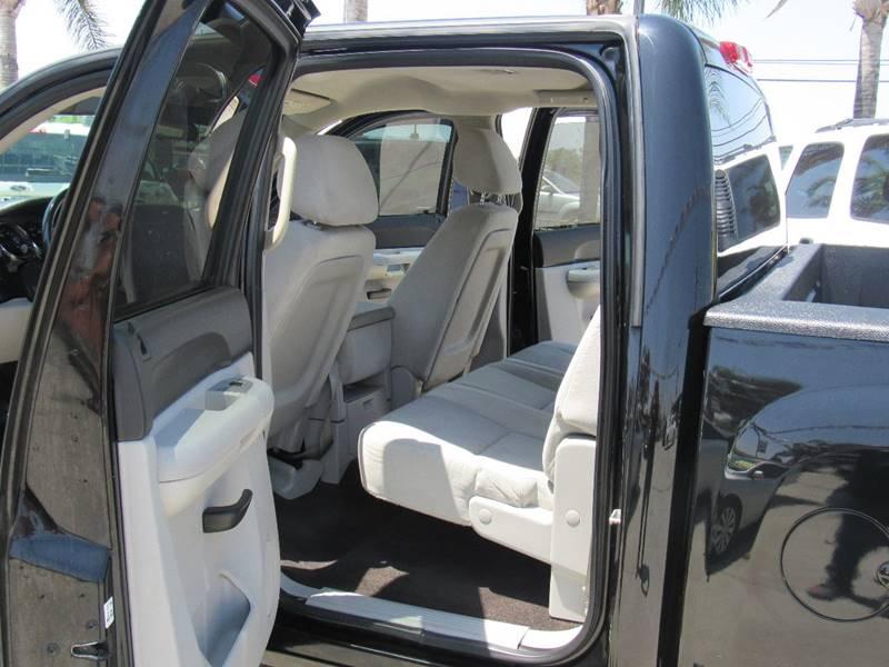 2009 Chevrolet Silverado 1500 for sale at Los Compadres Auto Center in Bloomington CA