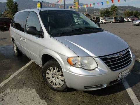 2006 Chrysler Town and Country for sale in Colville, WA