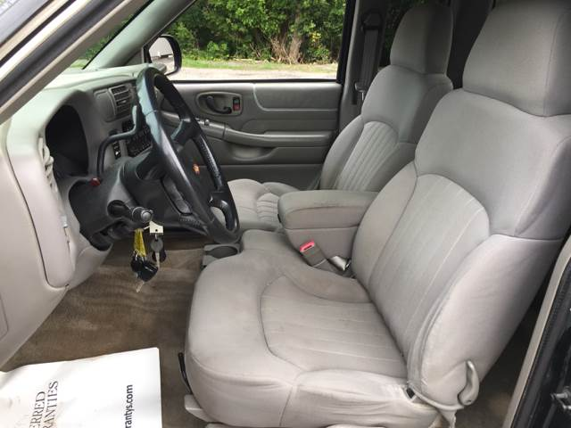 2003 Chevrolet S-10 3dr Extended Cab Rwd SB - Oak Harbor OH