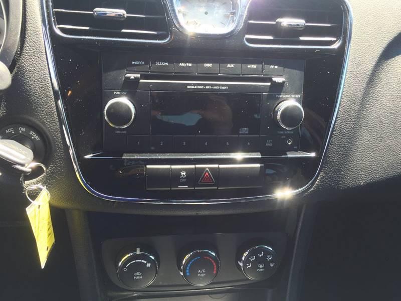 2013 Chrysler 200 LX 4dr Sedan - Marshall MO