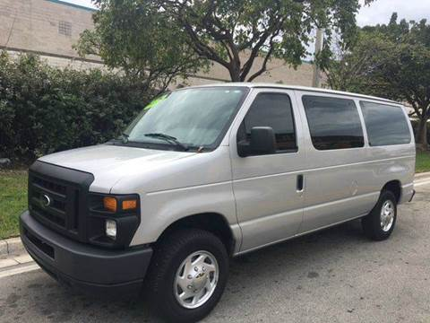 2009 Ford E-Series Wagon for sale in Hialeah Gardens, FL