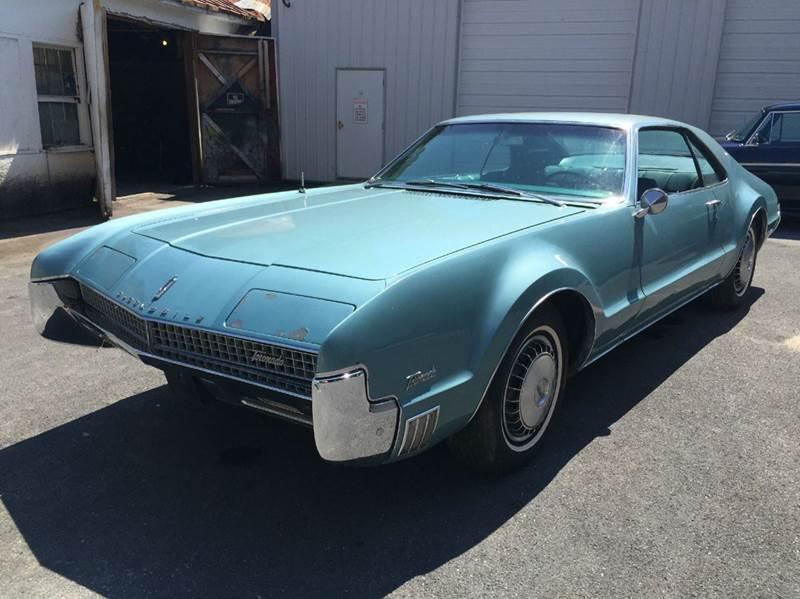 1967 Oldsmobile Toronado Deluxe for sale at Bobbys Used Cars in Charles Town WV