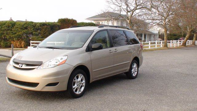 2006 Toyota Sienna LE AWD In Copiague NY - ACTION WHOLESALERS