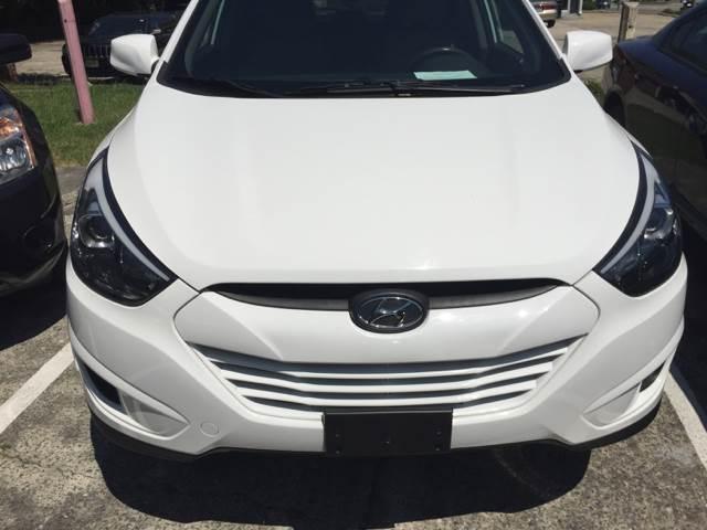 2014 Hyundai Tucson GLS 4dr SUV In Durham NC  Assistive