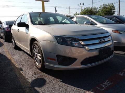 2010 Ford Fusion for sale at Auto Plaza in Irving TX