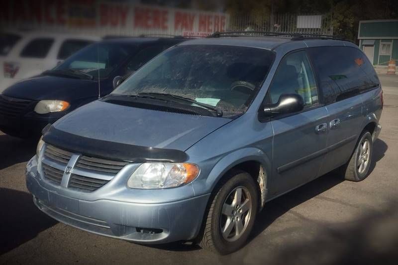 2005 Dodge Caravan car for sale in Detroit