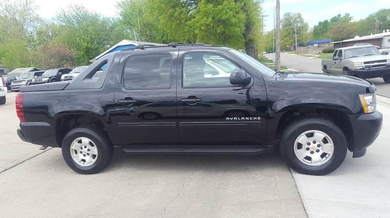 2011 Chevrolet Avalanche 4x4 LS 4dr Crew Cab Pickup - Olathe KS