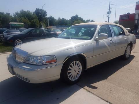 2005 Lincoln Town Car for sale in Olathe, KS