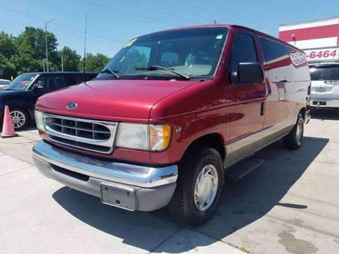 2002 Ford E-Series Wagon for sale in Olathe, KS
