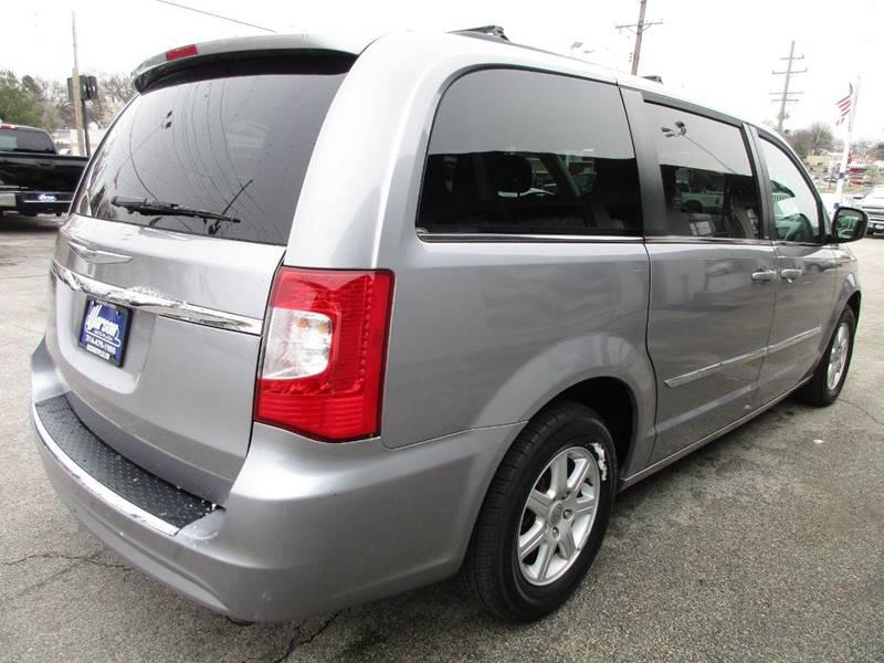 2013 Chrysler Town and Country Touring 4dr Mini-Van - Saint Louis MO