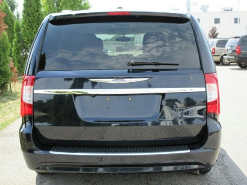 2011 Chrysler Town and Country Touring-L 4dr Mini-Van - Twin Lake MI