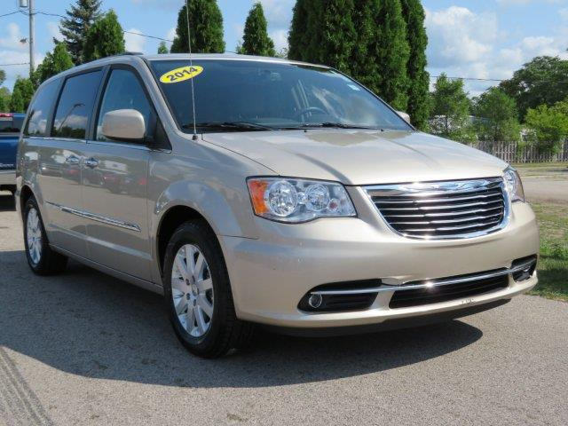 2014 Chrysler Town and Country Touring 4dr Mini-Van - Twin Lake MI