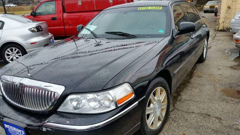 2007 Lincoln Town Car Executive L 4dr Sedan In Milwaukee Wi