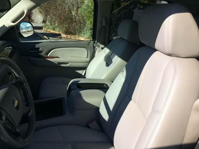 2009 Chevrolet Suburban 4x2 LT 1500 4dr SUV w/ 1LT - New Iberia LA