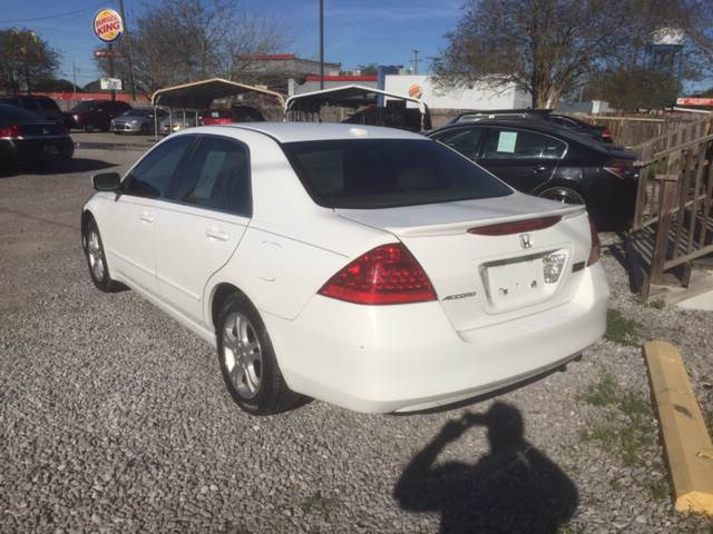 2006 Honda Accord EX 4dr Sedan 5A w/Leather - New Iberia LA