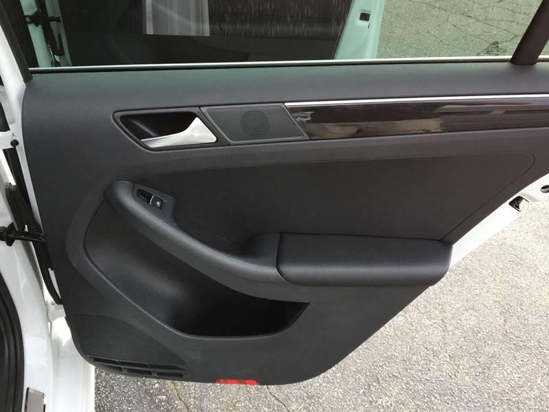 2017 Volkswagen Jetta 1.8T SEL Premium 4dr Sedan - Denver NC