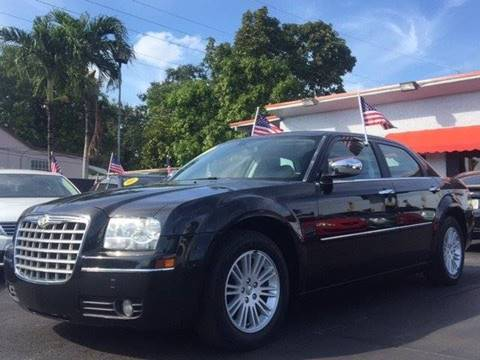 2010 Chrysler 300 for sale in Miami, FL