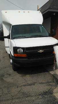 2011 Chevrolet Express Cutaway for sale in Roseville, MI
