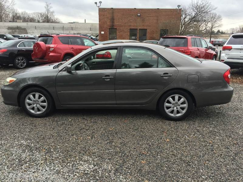 2002 Toyota Camry XLE 4dr Sedan   Warrensville Heights OH