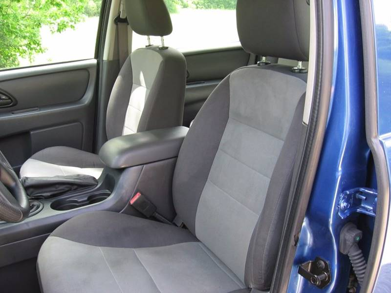 2007 Ford Escape AWD XLS 4dr SUV (2.3L I4 5M) - Muskego WI