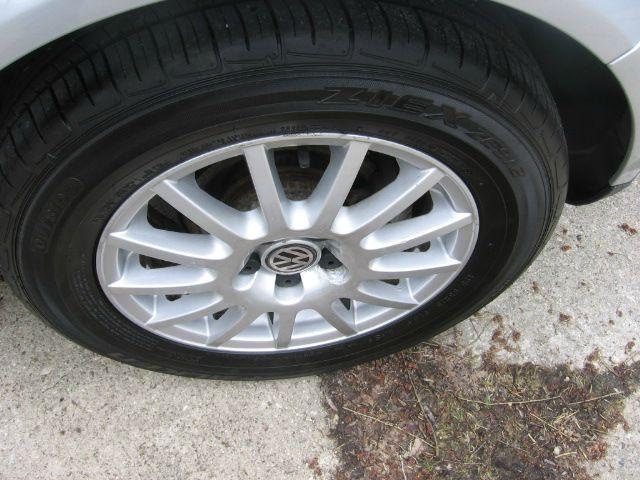 2006 Volkswagen Golf GLS 4dr Hatchback w/automatic - Muskego WI