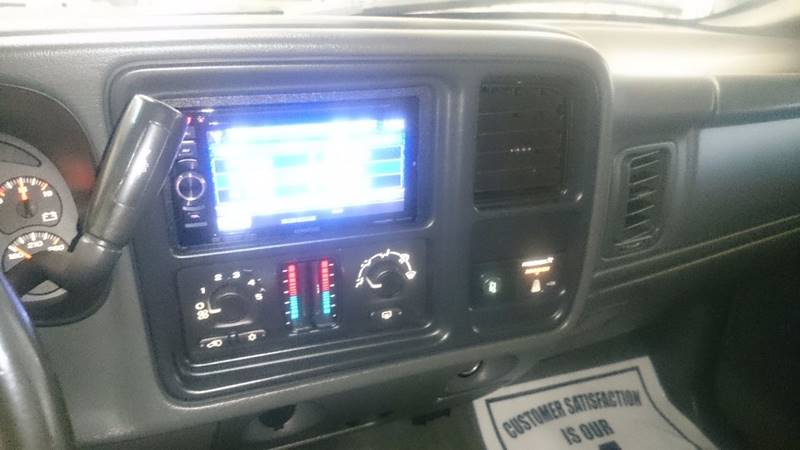 2004 GMC Sierra 2500HD 2dr Standard Cab SLE 4WD LB - Lapeer MI