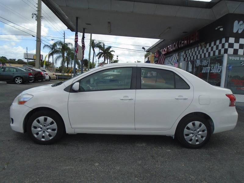 2011 Toyota Yaris 4dr Sedan 4A - West Palm Beach FL