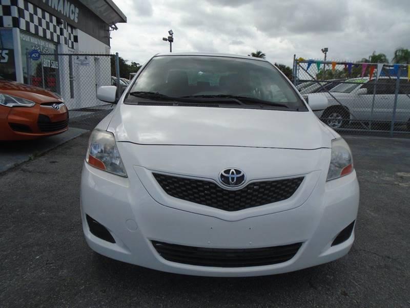 2011 Toyota Yaris 4dr Sedan 4A - West Palm Beach FL