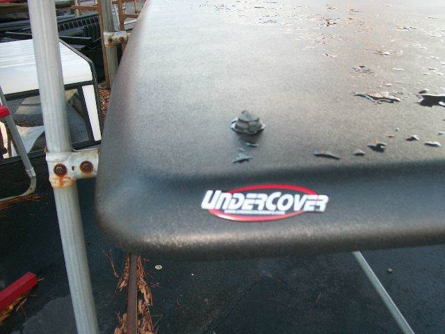 2013 Undercover Classic for sale at Southern Auto Sales Inc - Truck Caps in Hopewell VA