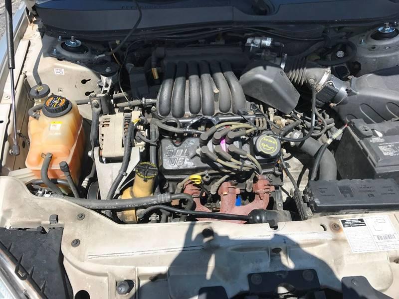 2001 Ford Taurus SE 4dr Sedan - Camdenton MO